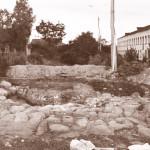 Собор Василия Великого. Алтарная стена. Вид с севера. Фото Е.А. Хворостовой из отчета об археологических исследованиях на территории Белозерского кремля 1993 г.