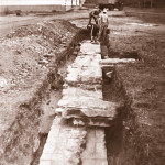 Северная стена храма Василия Великого. Вид с запада. Фото Е.А. Хворостовой из отчета об археологических исследованиях на территории Белозерского кремля 1993 г.